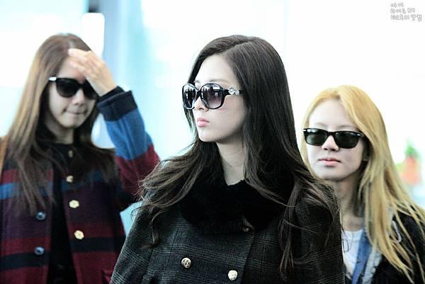 Seohyun-Airport-Fashion-Korea-to-New-York-seohyun-girls-generation-28702405-1000-667.jpg