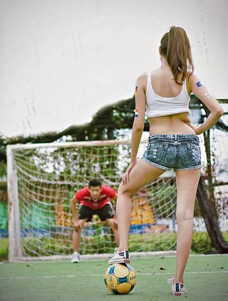 Euro_2012_Girls_002174458
