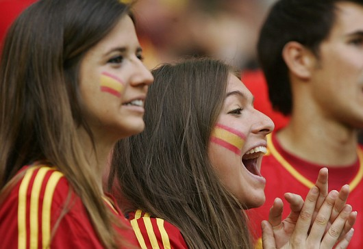 spanish-girls-euro-2012-530x364