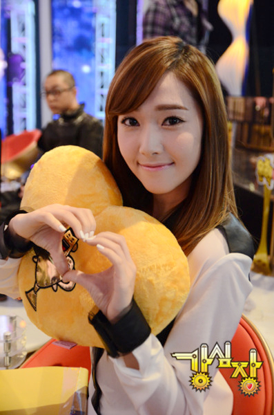 Jessica-jung-sisters-27064003-397-600