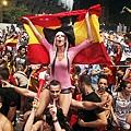 B_Id_297816_Spanish_fans
