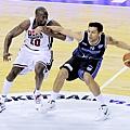 Kobe Bryant & Carlos Delfino
