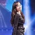 121021-fx-victoria-boome28099s-youngstreet-in-hwasung-3