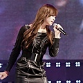121021-fx-victoria-boome28099s-youngstreet-in-hwasung-5