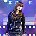 121021-fx-victoria-boome28099s-youngstreet-in-hwasung-6