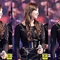 121021-fx-victoria-boome28099s-youngstreet-in-hwasung-7