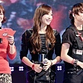 121021-fx-victoria-boome28099s-youngstreet-in-hwasung-9