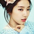 Park-Shin-Hye-1st-Look-Magazine