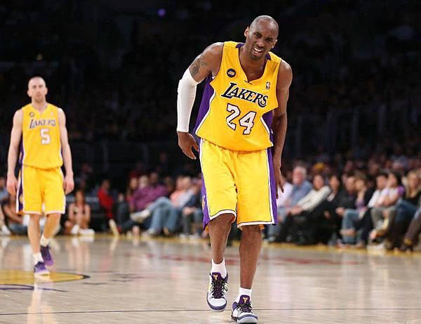 Kobe 傷2