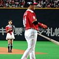 大島優子 日職開球 11.jpg