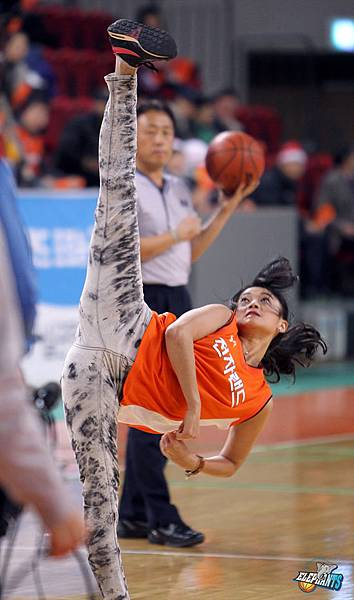 Taemi超級空翻開球 34.jpg