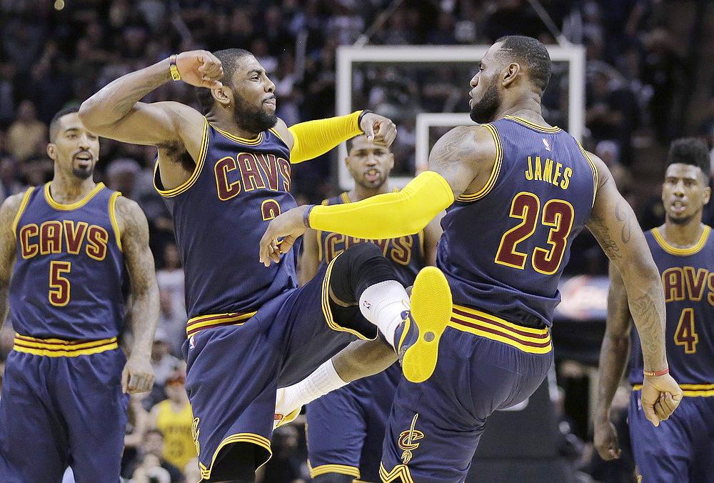Cavaliers Spurs Baske_李