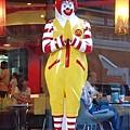 麥當勞叔叔跳保佑1.jpg