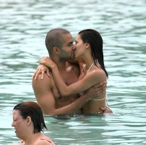Eva Longoria & Basket ball Player Tony Parker.jpg