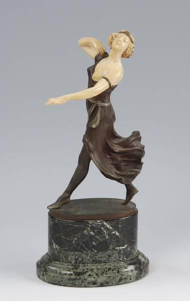 女人  1920