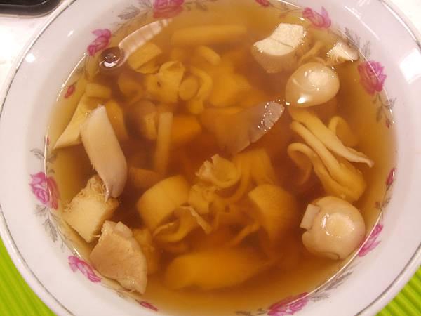 養生菇菇湯.jpg