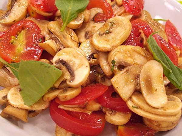 醋漬洋菇番茄沙拉