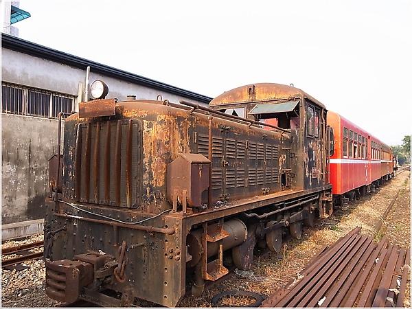 R1274051-17阿里山火車.JPG