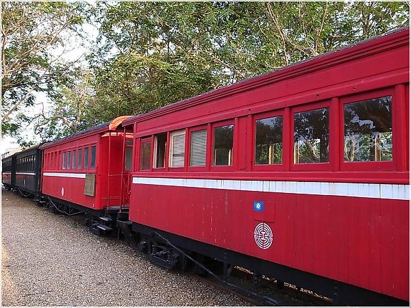 R1274080-21阿里山火車.JPG