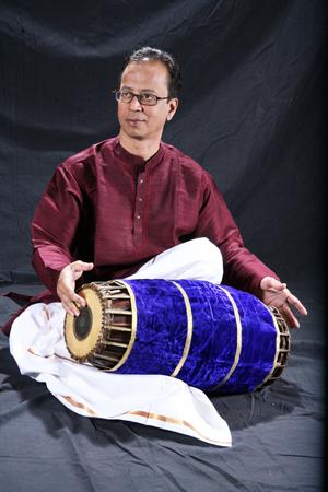 印度融合爵士「橋樑樂團」團長Poovalur Sriji_小檔.jpg