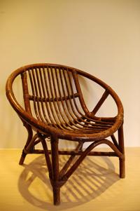 搬到新家的老藤椅s