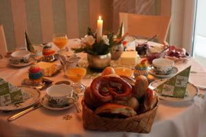 周末慢活早餐是家庭生活心靈交流的最佳時刻s