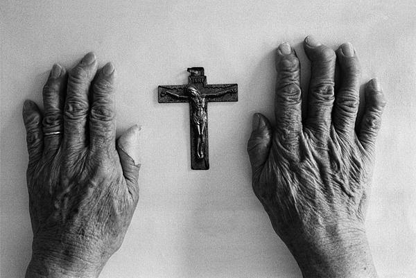 26 與在痛苦中掙扎的弟兄姐妹一同祈禱