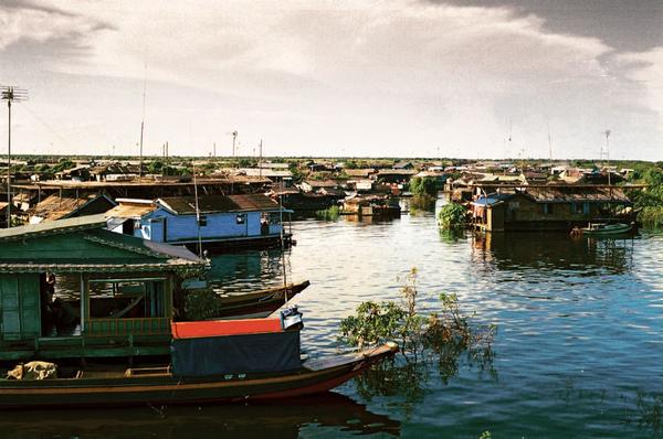 02-漂浮的世界遺址-柬埔寨的水上人家.jpg