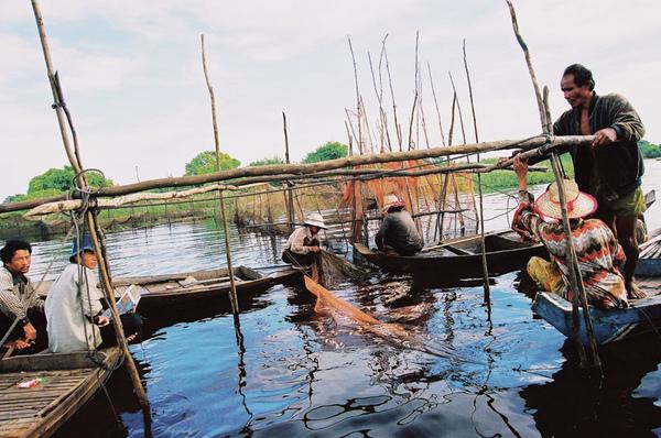 06-漂浮的世界遺址-柬埔寨的水上人家.jpg