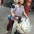 _DSF3062阿嬤快樂的一起騎車要回家s.jpg