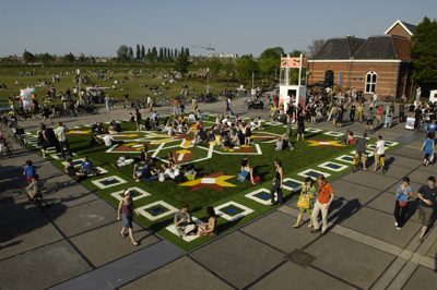 Flying Grass Carpet, Amsterdam, Eddy Kaijser 1s.jpg