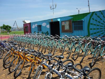 「從台灣飛到迦納!」自行車新文化基金會所捐贈之102台二手自行車s.jpg