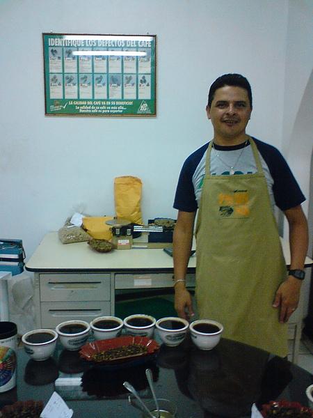 Cafe Central-杯測師Jose Chepa.JPG