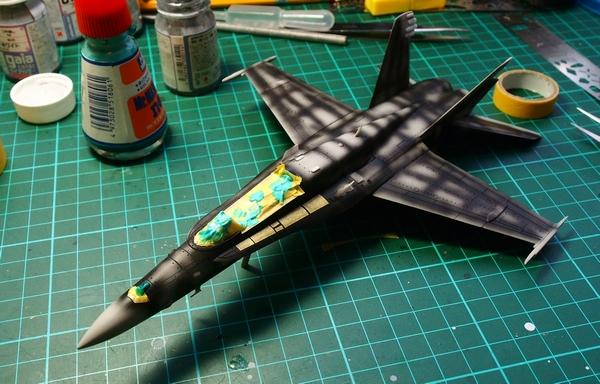 F18A-303