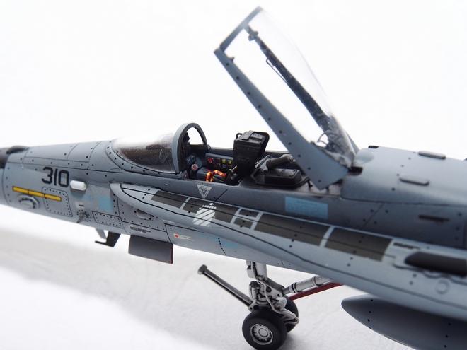F18A-324