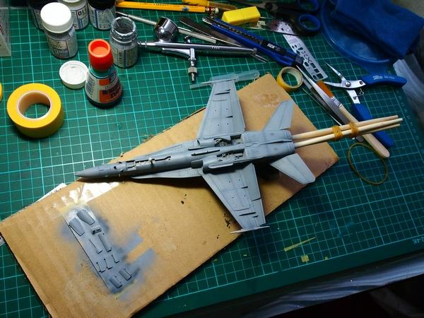F18A-304