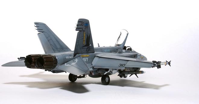 F18A-332