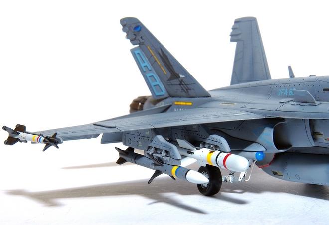 F18A-326