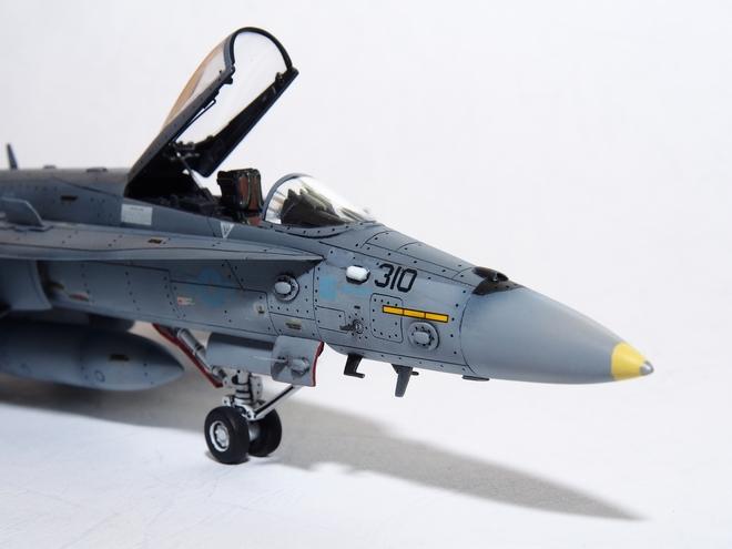 F18A-323