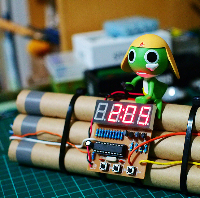 Bomb_Clock_16.JPG