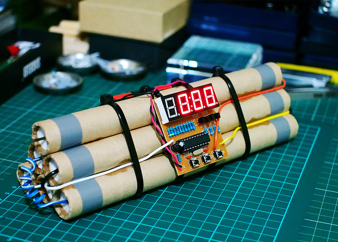 Bomb_Clock_21.JPG