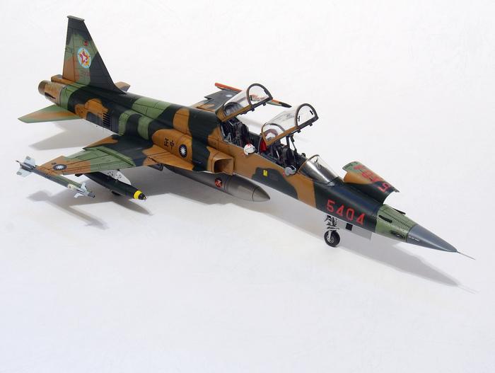 F-5F-Product_03.JPG
