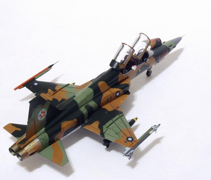 F-5F-Product_04.JPG
