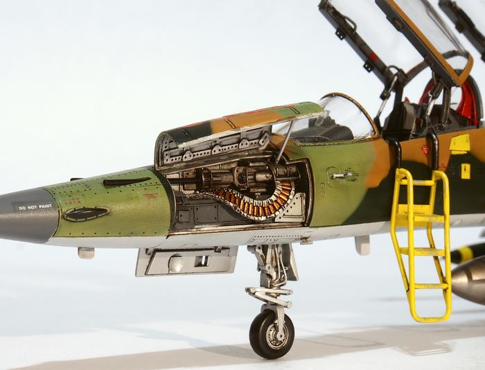 F-5F-Product_06.JPG