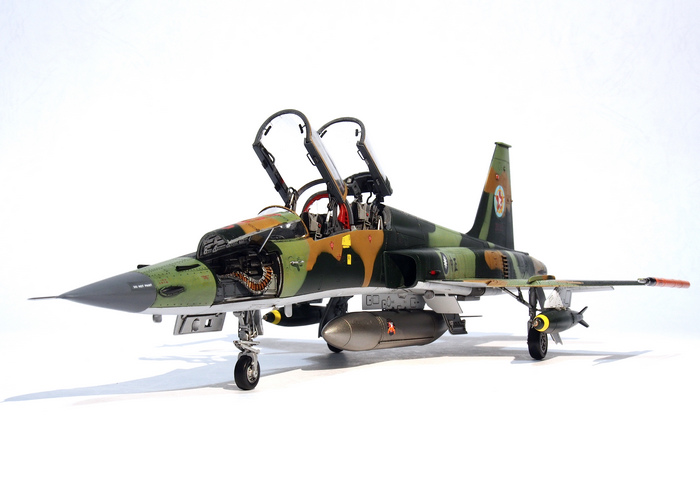 F-5F-Product_09.JPG