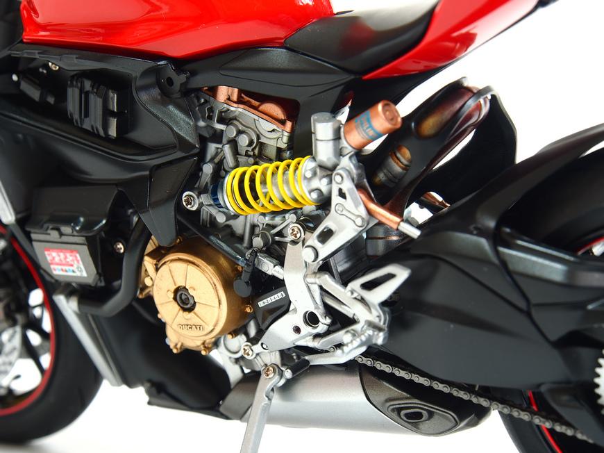 Ducati 1199S-Process_07.JPG