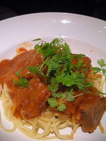 蕃茄鮮蔬燉牛肉義大利麵