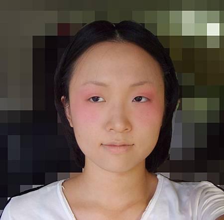 腮紅加重+眼影