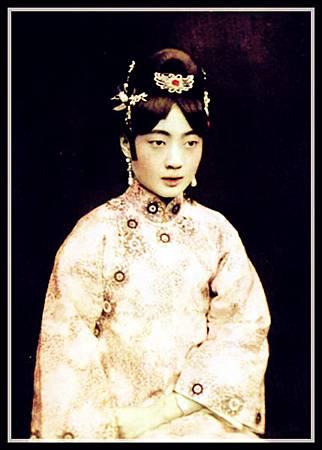 Empress_Gobele_Wan-Rong_(06)