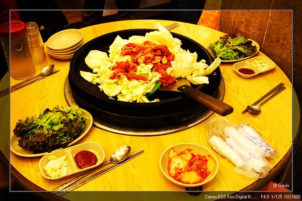 第二天中餐...雞肉炒飯...大鍋炒..